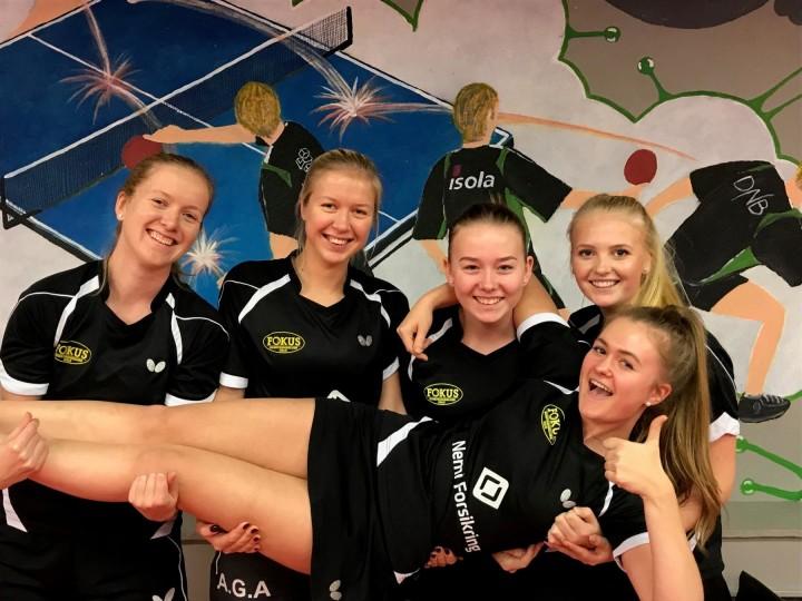 Dameserielaget ga alt i første serierunde